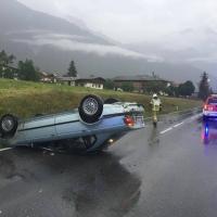 Brandmeldealarm und Verkehrsunfall