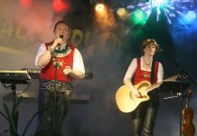 """Feuerwehrball 2011 - Besucherrekord und """"Stöttlhex-Premiere"""", Foto: Knut Kuckel"""