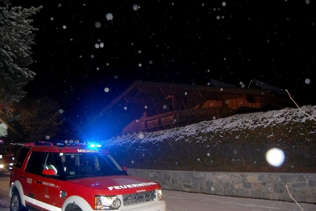 Wintereinbruch in Tirol - Umgestürzte Bäume und Schnee, Foto: Freiwillige Feuerwehr Mieming