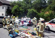 Schwerer Verkehrsunfall auf der B189 - Höhe Fronhausen, Foto: FF Mieming