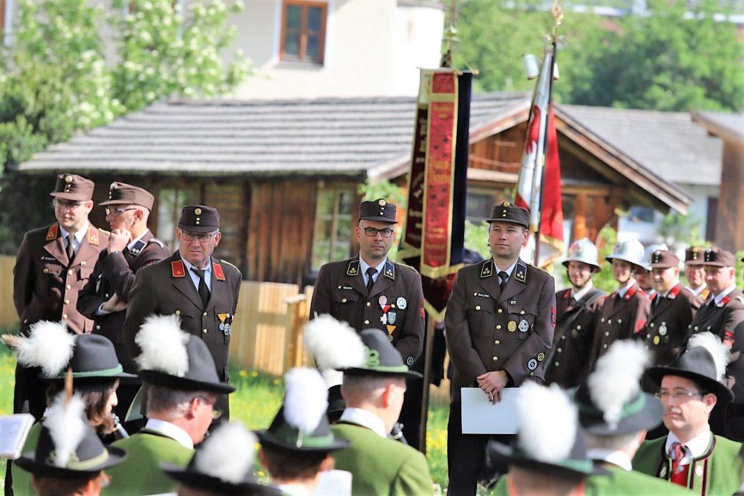 Bei der Florianifeier wurden Klaus Scharmer, Wolfgang Schatz und Markus Dullnig für ihre Leistungen geehrt. Foto: Knut Kuckel